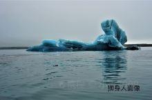 冰湖奇葩  琉璃水晶,玉洁冰清,千姿百态,栩栩如生。 蓝色精灵,万种风情,晶莹剔透,鬼斧神工。