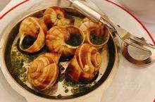 在法国吃吃喝喝,爱上了蜗牛和鹅肝,但最好用餐的体验都是日料,爱死一区的日料鳗鱼饭