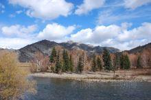 阿勒泰富蕴县可可托海景区是一个集山水,白桦林,大峡谷为一身的自然风光旅游区,是新疆知名景区之一,而且