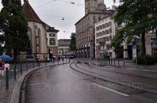瑞士让我流连忘返,人很少,沿路整个城安静,干净,生活在这很惬意,有钱的话一定常来这,加油努力挣钱