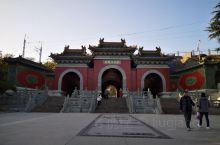 武当山山下的玉虚宫气势宏伟,是明永乐年间由朝庭在武当山建造的皇家庙观,而玉虚宫则是整个建筑群中最大的