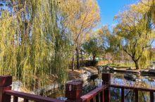 漫步林荫小径 听自然窃窃私语 身心倍感舒松 感受秋的怀抱!(一)