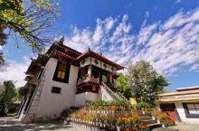 """罗布林卡,位于西藏拉萨市西郊,被誉为""""西藏颐和园"""",是一座藏式园林。来到拉萨,可不要错过这么一个清静"""