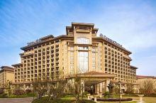 值得一去的酒店—宁波春晓世茂希尔顿逸林酒店  酒店坐落于北仑区春晓镇,这里是滨海新城,距离中国港口博