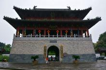 龙虎山风景区的上清宫是一个全国规模最大的道教宫观之一,始建于东汉年间,虽然现在看到的是己经修善过的,