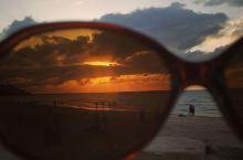 特拉维夫的海滩。 喜欢有海的城市,总给人休闲的感觉。而海滩,则无论晴空万里或夕阳西下,都自带美感。所