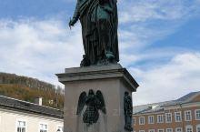 莫扎特的铜像