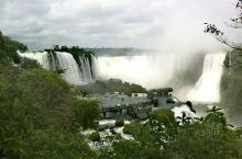 伊瓜苏 - 伊瓜苏是去巴西的第三站,主要是观赏世界著名的伊瓜苏大瀑布。瀑布长2.7公里,地处巴西和阿