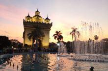 老挝万象凯旋门,夜景不错!