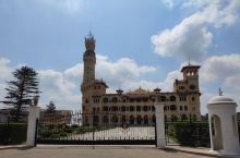 是埃及国王的行宫,有一定的历史了,行宫部分只能看到外观,花园的部分是对外开放的,就在亚历山大港,一面