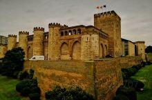 阿尔哈菲利亚宫是西班牙最好的伊斯兰统治时期的建筑,它的风格既不同于格拉纳达的阿兰布拉宫,也不同于科尔
