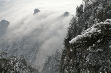 老君山风景区在栾川县城东南,冬天的老君山如不同,各有千秋同仙境,美轮美奂。老君山风景区四季均可游览,