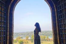 来到塞尔维亚贝尔格莱德,一定不能错过的就是萨瓦河与多瑙河的交汇美景,最佳观赏地是卡莱梅格丹城堡公园K