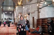 蓝色清真寺建成于17世纪,是奥斯曼帝国时代建筑和艺术的辉煌杰作,也是伊斯坦布尔的标志性景点,蓝色清真