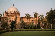 【孟买最漂亮的博物馆|威尔士王子博物馆】  坐落在一片花园之中的威尔士王子博物馆,它的外部主体结构是