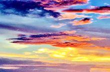 大马探亲之旅25、哥打京那巴鲁凯悦酒店的落日余晖  一抺殷红色的夕阳照在凯悦酒店的外海上,她宛如一首