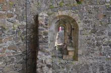 卡里克弗格斯城堡之二。英国北爱尔兰的卡里克弗格斯城堡是小镇的标志性建筑,也是爱尔兰最古老、保存最完好