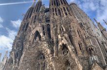 聖家族大教堂- 來自外星的藝術家高迪之神作