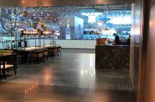 在桃園機場第二航站樓環亞貴賓室稍作休息準備登機 暖心暖胃......