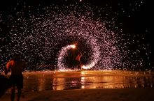第二次到沙美。火花表演还是那么美。还有个八块腹肌的帅哥