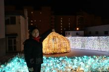 乃之风温泉酒店附近有个洞爷湖彩灯隧道,每年11月1日到3月1日晚上6点到10点,有隧道亮灯,蛮漂亮的