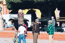 一个静谧而美好的小城—圣米格尔 坐大巴从墨西哥城出发大概4个多小时可以到达小镇 住宿价格感人,200