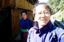 在贵州的窄荡侗寨,一个人,本想露营,遇到了她们,收留了我两个晚上,听她们唱侗族大歌,和她们一起吃饭喝
