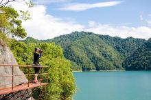 """情人谷景区原名新安江铜官峡,地处新安江国家森林公园内,有""""新安江畔第一幽谷""""之称。它以一条山高谷深、"""