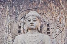 #TOTD 龙门石窟拜佛 龙门石窟最大的一尊佛像——卢舍那大佛,为释迦牟尼的报身佛,据佛经说,卢舍那