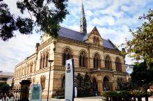阿德莱德大学(The University of Adelaide),位于澳大利亚南部阿德莱德市,是
