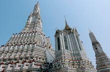 郑王庙Wat Arun,位于泰国湄南河西岸,建于大城王朝。泰王打败了缅甸军队,建造了这座寺庙,是泰国
