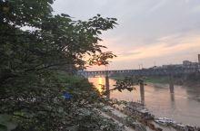 在四川·宜宾岷江桥 有一天看到风景甚佳