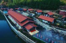 河南的卢氏,原本是河南省扶贫开发特困县。却拥有着绝对世界级的旅游资源,曹植《洛神赋》的发源地洛河,秀