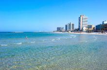 """在以色列特拉维夫停留的几天,住在""""卡尔顿特拉维夫酒店""""。酒店一边是海滨游艇码头,一边是Gan Haa"""