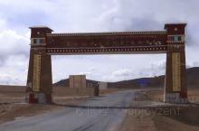 达坂是蒙语发音,指山口,在西藏山口就是整个山最高的地方,所以广义上的达坂指的是很高的山。 界山达坂在