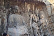 洛阳,龙门石窟。奉先寺是龙门石窟规模最大、艺术最为精湛的一组摩崖型群雕,因隶属于当时的皇家寺院奉先寺