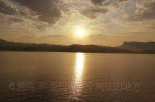 长江上的日出,并不逊于海上的日出,美极了!
