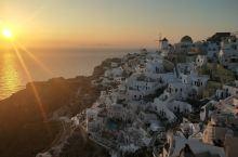 迷人的日落 梦幻而又确实存在的地方——伊亚 坐在高处看着爱琴海的脸 感受这迷醉的夜