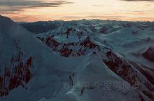 新西兰南岛库克山直升机观光,可选择从皇后镇、库克山、特卫泽尔、弗朗兹约瑟夫或福克斯冰川等多个基地起飞