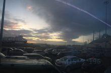 北爱的朝阳和天边的彩虹