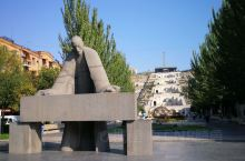 2019.10.05亚美尼亚时间11:00,亚美尼亚首都埃里温首站行程来到市中心的阶梯广场。