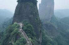 崀山国家AAAAA景区,在湖南省邵阳市新宁县崀山镇,共有五个景点,每个景点相隔二公里左右。 最美景点