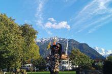 人间最美之大瑞士,宛如一个大大的森林公园,小村庄散落在我们经过的每一处,抬眼可见的雪山和蓝天,低头可