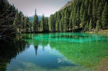 这个时间去旅行,人少可以尽情的美拍,天空是蔚蓝蔚蓝的,气温也十分宜人。
