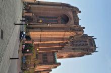 利物浦大教堂,是英国最大的国教教堂,又名为利物浦基督座堂(Catherdral Church of