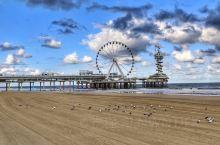 席凡宁根海滩是荷兰最著名的海滨度假胜地。近日,爱尔兰航空的官方杂志评选出欧洲最美的5个海滩,荷兰海牙
