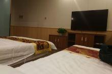 酒店非常干净宽敞,服务热情周到,性价比很高,下次还住这家