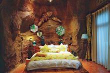青藏高原上住深海岩洞主题酒店?不是梦 真没想到西北内陆高原,有这么好的亲子主题酒店,超大型亲子度假区