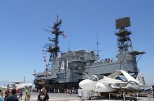"""作为准军事爱好者,""""中途岛号""""航空母舰博物馆一直是我心心念的地方。  (交通)借着在洛杉矶出差的周"""