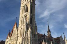 匈牙利首府布达佩斯是东欧之行的首选目的地。奥匈帝国的辉煌历史和文化遗产在布达佩斯随处可见;多瑙河两岸